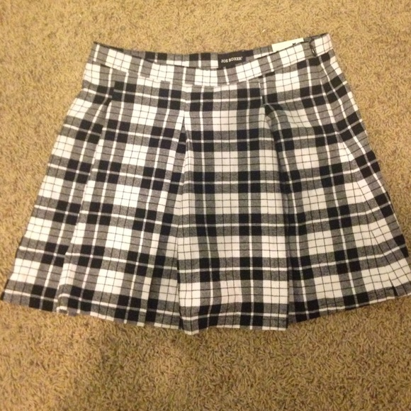 Black white tartan skirt – Modern skirts blog for you