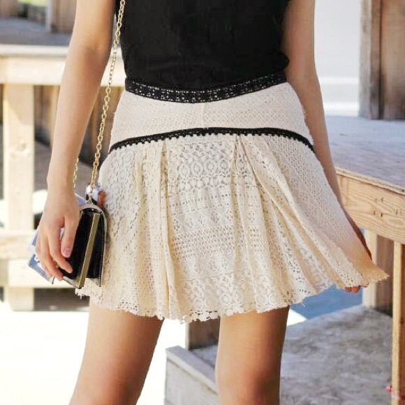 Free People Dresses & Skirts - Free People Cream Lace Skirt with Black Lace Trim