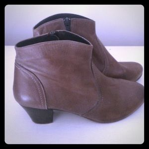 Shoes - 🎉🎉SOLD🎉🎉🎉Gray booties