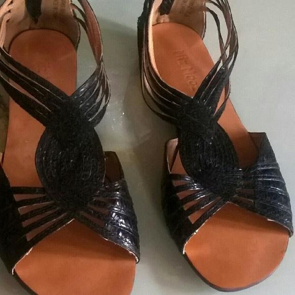 028049829bad Miz mooz huarache style sandals