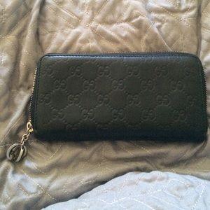 guccissima leather zip around wallet