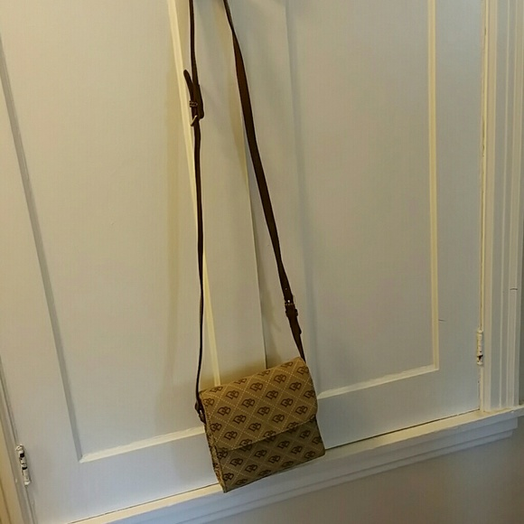 Dooney & Bourke Bags - BRAND NEW AUTHENTIC DOONEY & BOURKE Crossbody