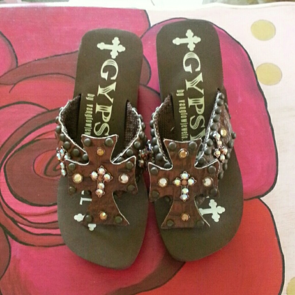 def224446 Gypsy Soule Shoes - NWOT CROSS CROCODILE GYPSY SOULE FLIP FLOPS