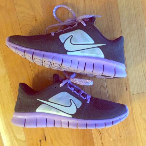 048fba23b9df Nike Shoes - Nike Free Run 3.0 7Youth 8Women-Check size chart👟
