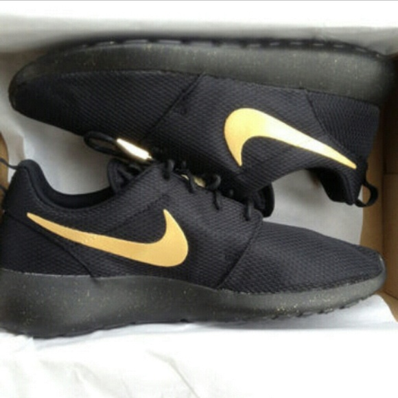 24 off nike shoes black amp gold roshes from nathalie s closet on