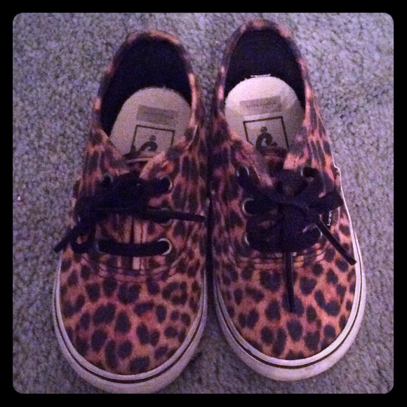 97a5608b4822 Leopard Vans for Toddler girls. M 5600d9ac2de512b6a90038bf