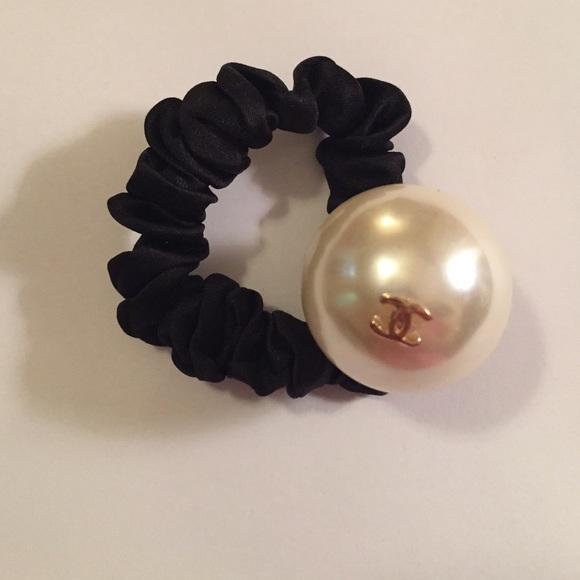 CHANEL Accessories - Vip cc logo pearl ponytail holder 98233491b0f