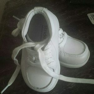 Baby walking shoesNWT for sale