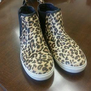 42828655d06 Steve Madden Shoes - Steve Madden Elvinn Leopard High Top Sneaker