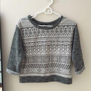 Semi cropped sweater