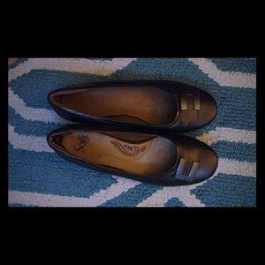 Clarks women's bronze flats leather