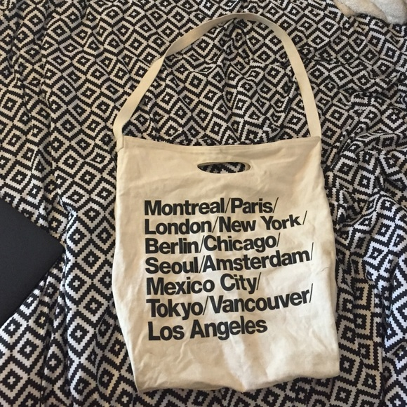 2b84eb0ad08 American Apparel Handbags - Authentic American Apparel Cities Bag Tote