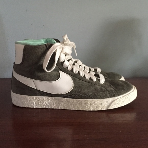 nike blazer mid navy suede hiking moccasins