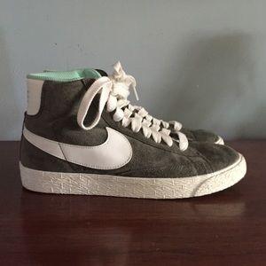 Nike Blazer De Gamuza Zapatillas De Deporte De La Vendimia Mediados De Oliva ANftM38jY