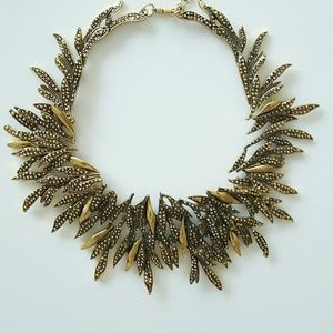 Jewelry - Gold statement collar necklace
