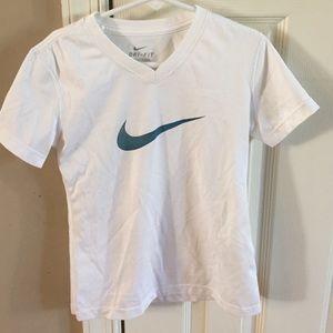 nike shirt for girl