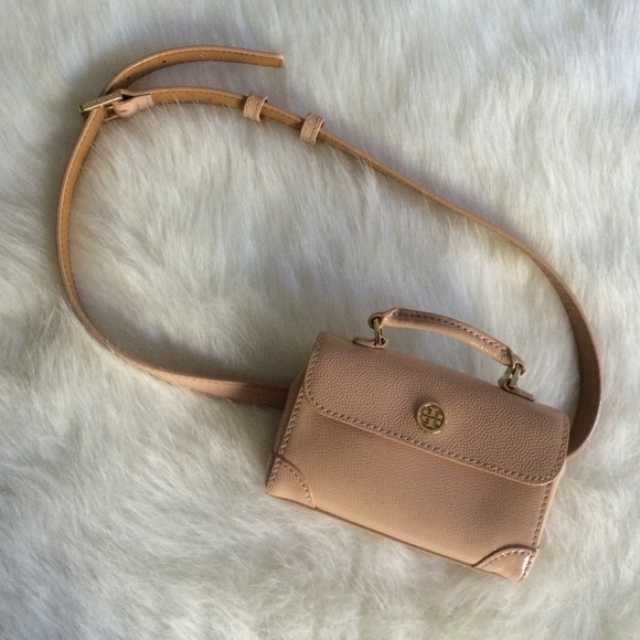 4d35183c63b8 Sale! Tory burch Robinson belt bag. M 5602cf5d15c8af980800ea01