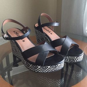 WORN ONCE! Mudd Aztec Print Wedges