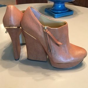 Boutique 9 Ankle Booties