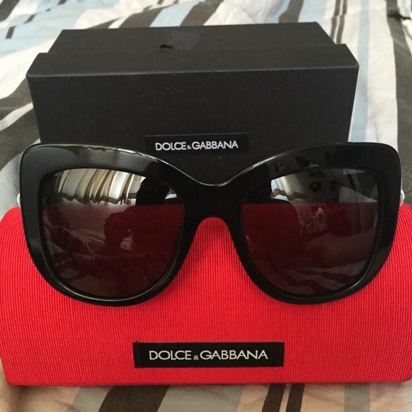 78cb16f5949e Dolce   Gabbana Accessories - 🎉trade🎉Dolce   Gabbana Spanish Roses