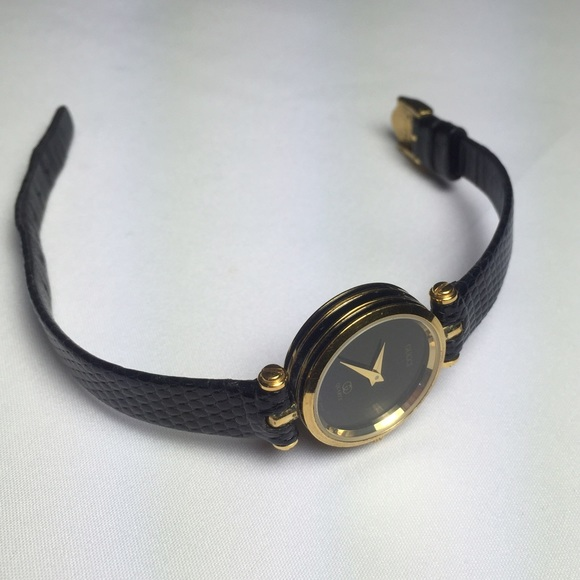 a32bf483c37 Gucci Accessories - Vintage Gucci Watch