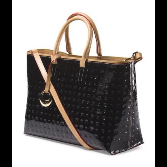 90bd589f5aa7 Arcadia Black Patent Leather Handbag. 🇮🇹