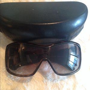 Accessories - Nicolas Felizola sunglasses.