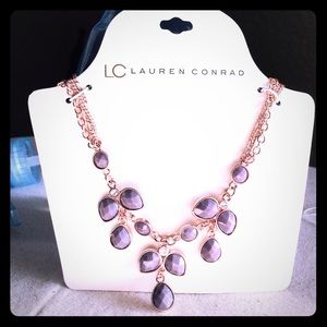 Statement necklace in rose gold & lavender stones