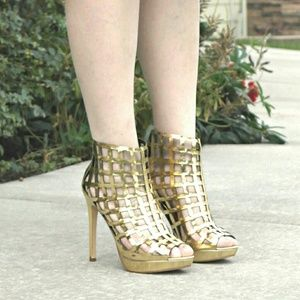 Shoedazzle Shoes - Katita sandal booties in gold.