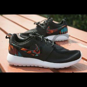 competitive price c693f 3cb02 Aztec Tribal Nike Roshe Run Custom