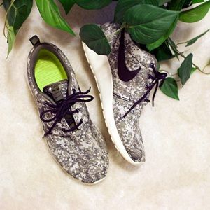 🔸HP BEST IN SHOES/BOOTS🔸Nike Roshe Run Premium