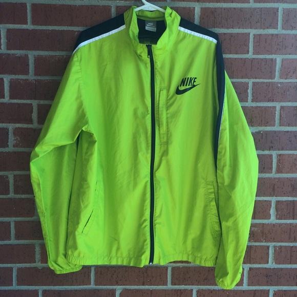 3fa0fdc2a6a6 Neon Green Packable Nike Windbreaker. M 5603e8837fab3af19800264e