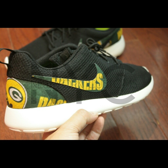 Green Bay Packers Nike Roshe Run Custom