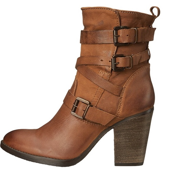 0322311660d Steve Madden Yale Ankle Boots NWT