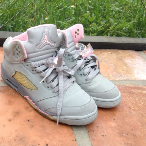 Size 6 retro grey and baby pink Nike air jordans