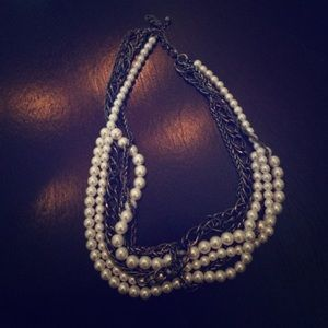 Jewelry - Silver pearl and chain necklace