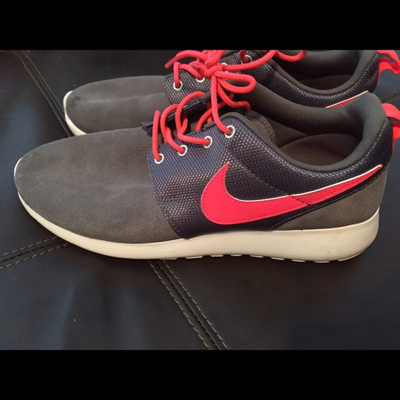 6f1ac27d1f6 Nike Shoes - Grey and Pink Nike Women s Running Shoes Size 9