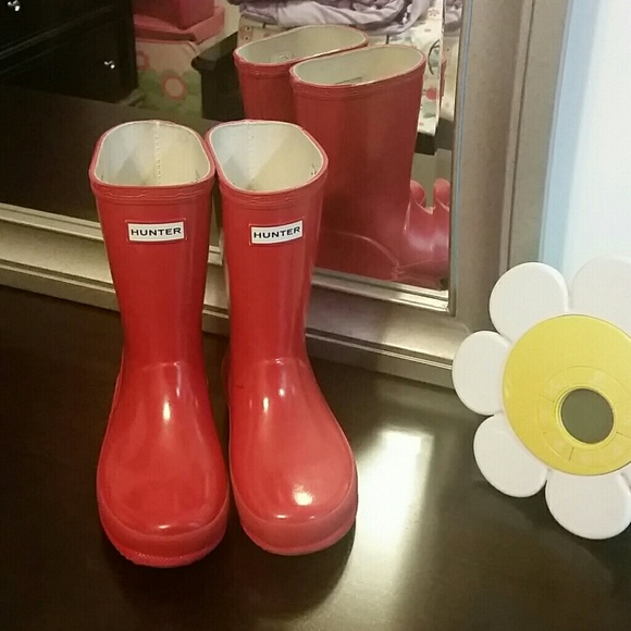 60% off Hunter Shoes - Auth HUNTER Rain boots girls size 11 from ...