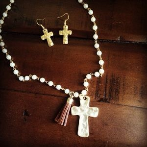 Jewelry - Hammered cross on a pearl chain with tassle
