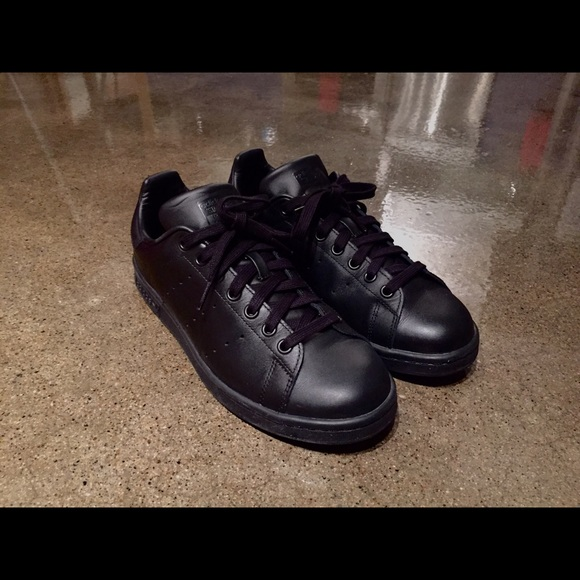 le adidas mens stan smith di pelle nera, ci poshmark mens 9