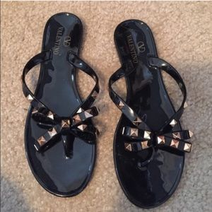 94 off valentino shoes flip flops from cruzita 39 s closet on poshmark. Black Bedroom Furniture Sets. Home Design Ideas