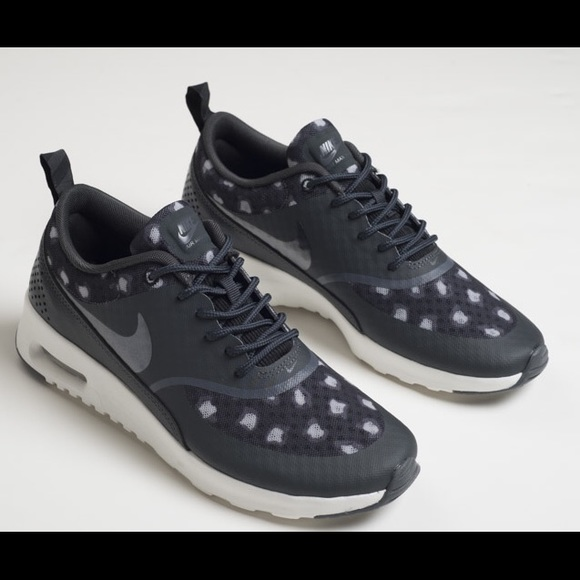 NIB Nike Thea black sneaker size 6.5