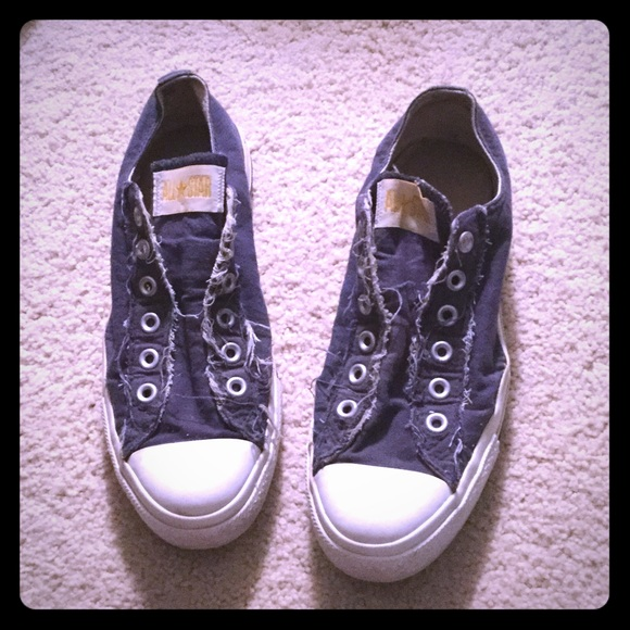 781493aeb1d Converse Shoes | Navy Distressed Lace Less | Poshmark