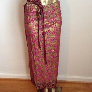 Amazingly beautiful gold printed skirt