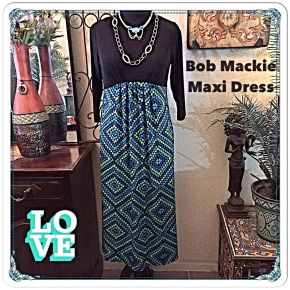 Bob Mackie Dresses - 30% OFF BUNDLES 🎉HP🎉Bob Mackie Geo Maxi Dress💚