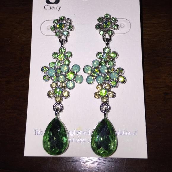 Green Costume Jewellery: Mint Green Crystal Costume Jewelry