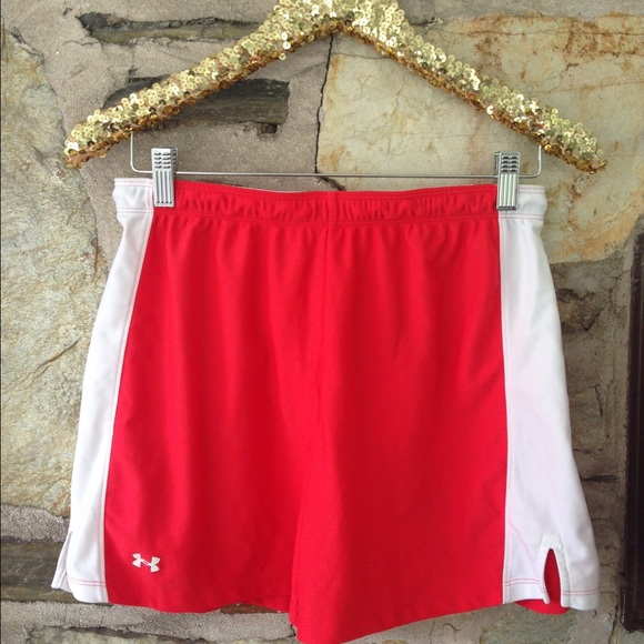 Under Armour Pants - Under Armour athletic shorts. Size medium? No tag
