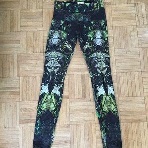 da00196afecdd0 Helmut Lang Pants - Helmut Lang cicada print reflex leggings size P