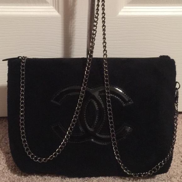 20d089bf6502 CHANEL Handbags - Authentic Chanel Vip gift bag crossbody