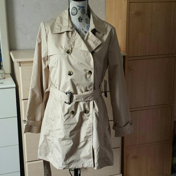 Harve Benard Jackets & Blazers - Harve Bernard trench coat